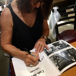 janice signing
